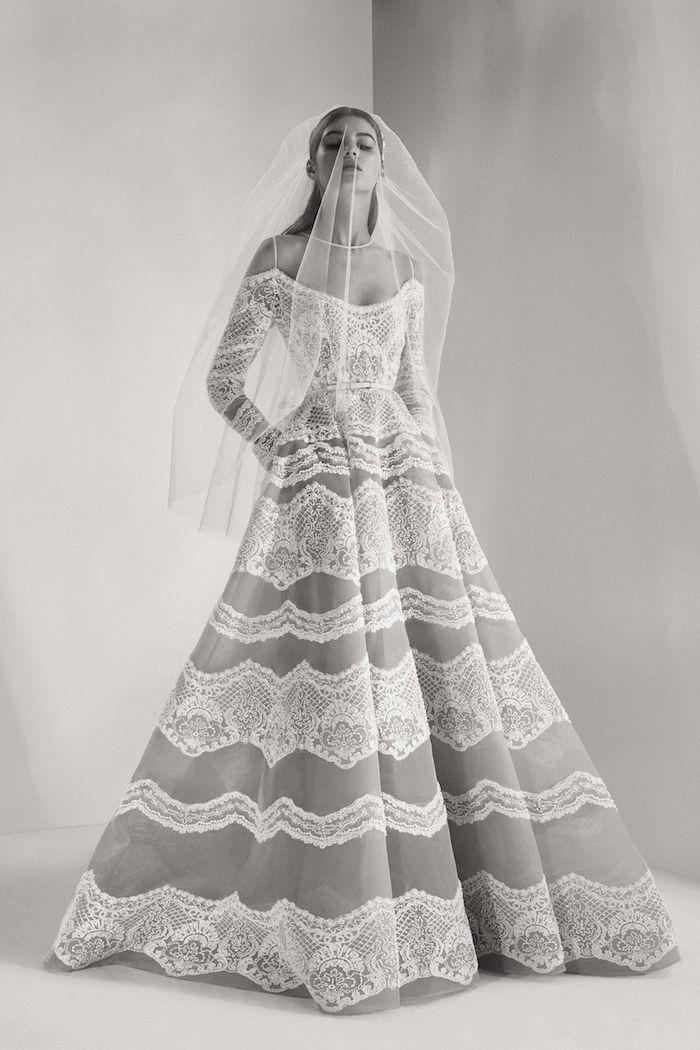 Belle robe de mariée blanche image de la plus belle robe de mariage pour 2018 femme dentelle robe épaules denudees manches longues