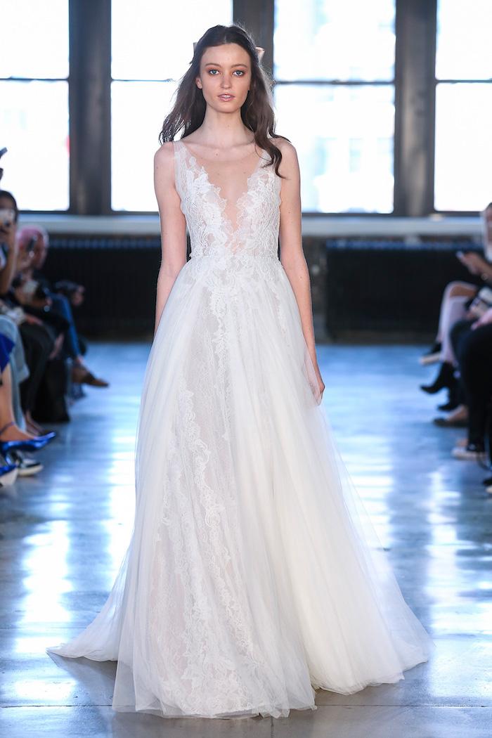 Élégante robe empire mariage robe de mariée 2018 boheme choisir la plus belle robe romantique dentelle décolleté plongeant
