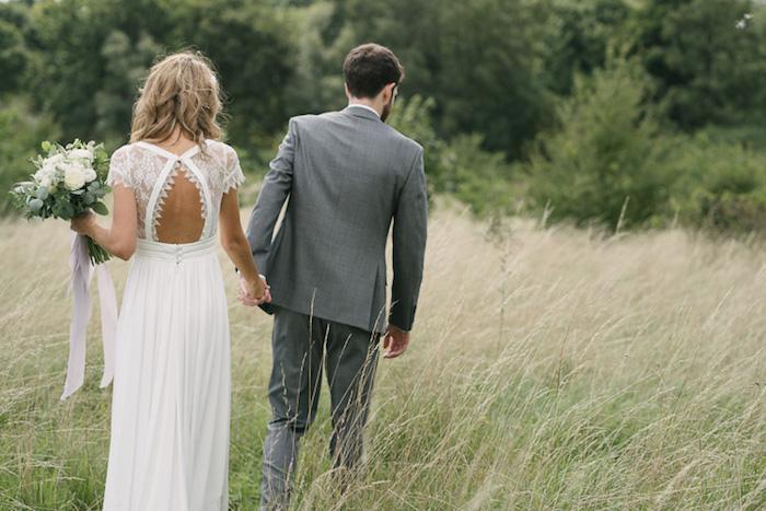 Magnifique robe de mariée champetre la robe longue de mariage elegante idée tenue le dos de la robe boheme chouette