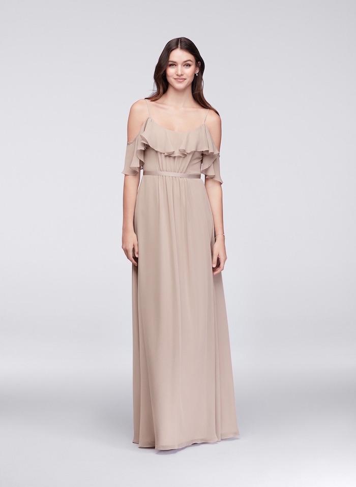 Comment être une femme bien habillée le style bohème chic comment porter une robe bohème beige robe de soiree boheme longue