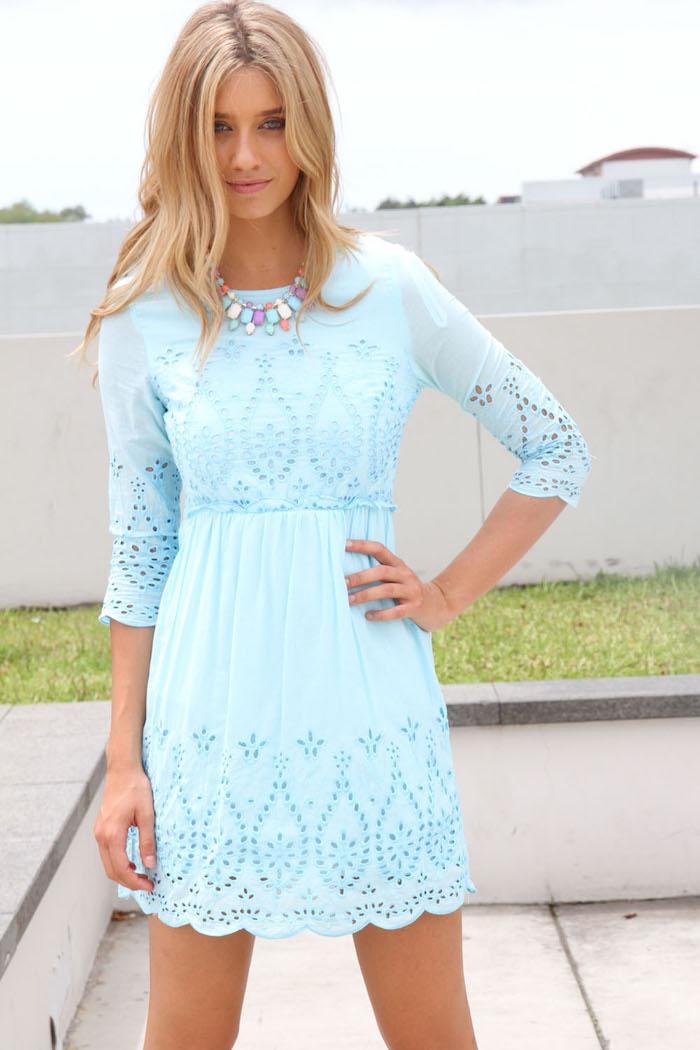 Robe de ceremonie robe de soirée chic adorable idée comment s habiller robe bleu claire courte avec manche mi longue