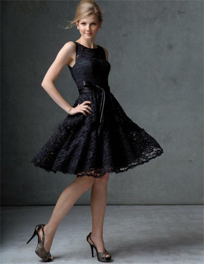 chaussures et robes pour occasions spéciales, jupe dentelle de robe évasée