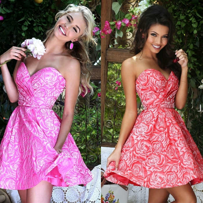 rob bustier rose, deux robes bustier chic, design floral, robes corolle en couleur vive