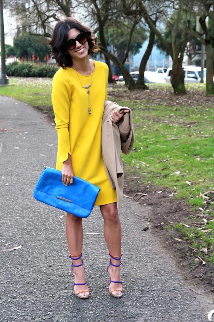 Chouette robe femme habillée robe de soirée rouge femme élégante robe jaune courte avec manche longue cool idée tenue