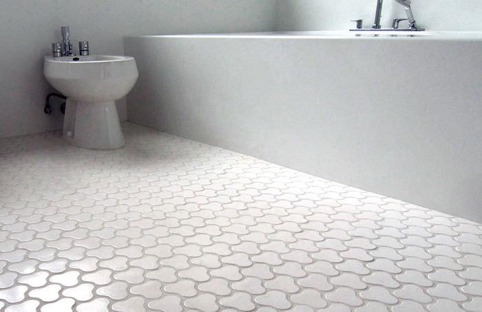 modele de motif original pour carrelage de salle de bain blanc
