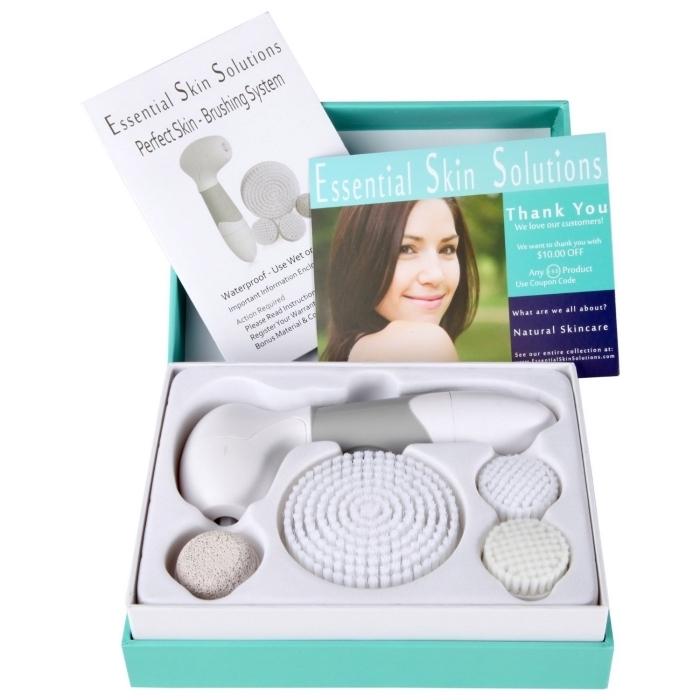 kit de soins de visage et de la peau avec un appareil à brosse électrique comme une cadeau pour la fête des mères