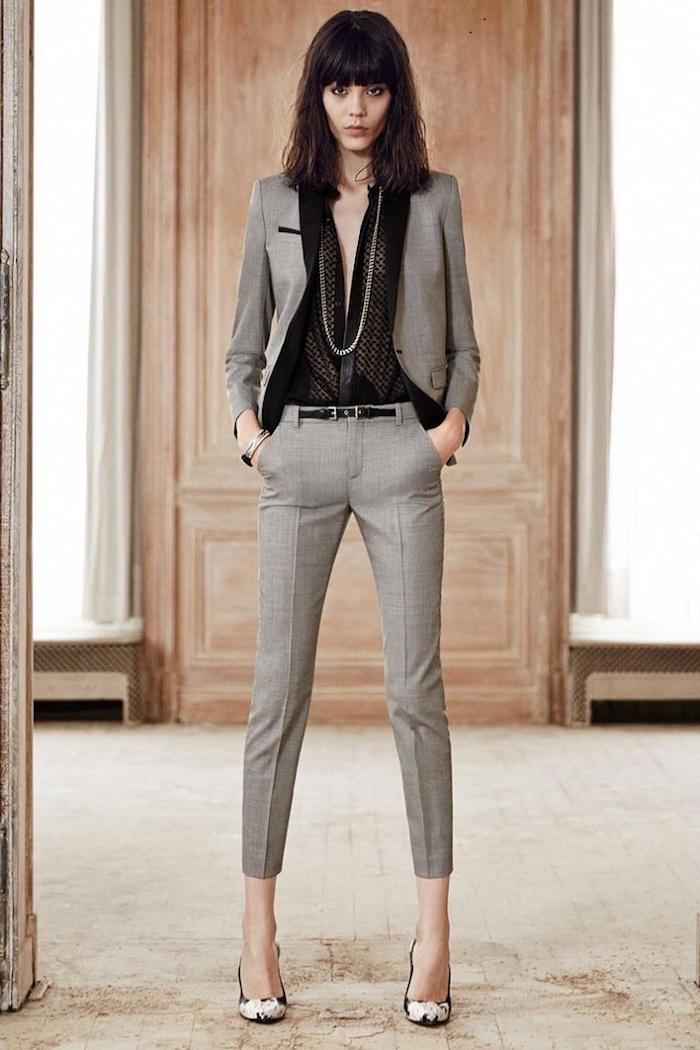 Tailleur femme mariage comment s habiller pour un baptême image femme stylée tailleur beige chemise noire