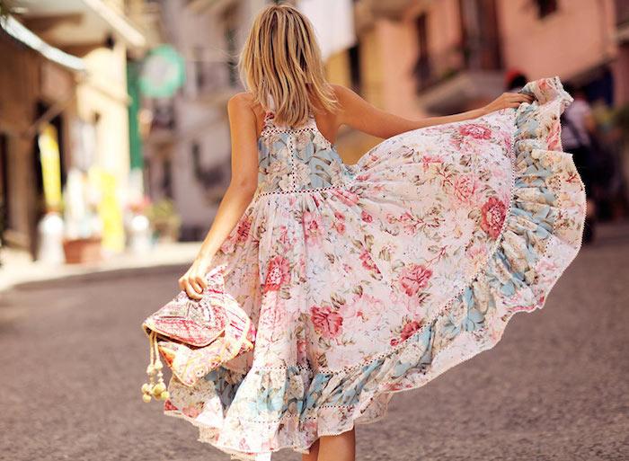 Petite robe fleurie tenue blanche à fleurs femme bien habillé été robe blanche mi longue