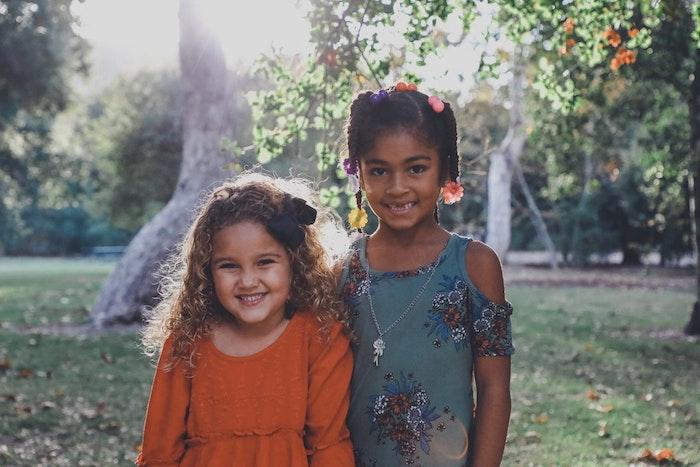 Coupe cheveux petite fille coupe de cheveux pour petite fille de 5 ans enfants mignons idée cheveux crépus coiffure simple