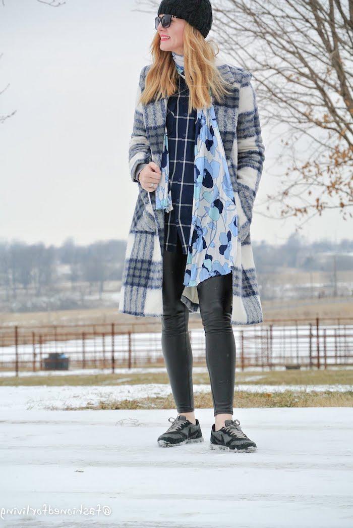 Pantalon mom fit basket avec robe belle idée comment s habiller femme pantalon cuir noir hiver