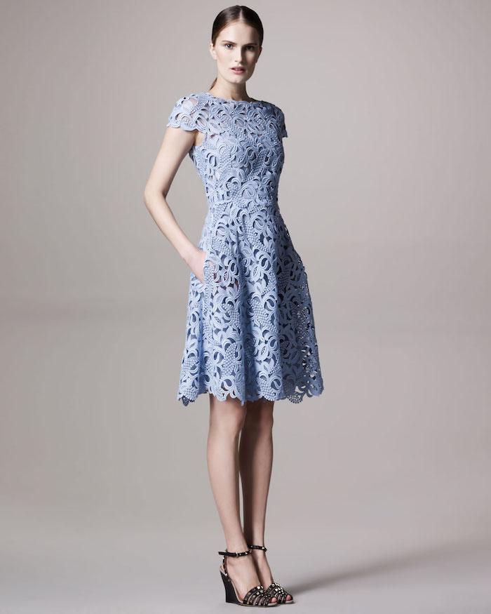 Tenue chic femme pour bapteme robe de soirée courte tendance robe dentelle bleu claire