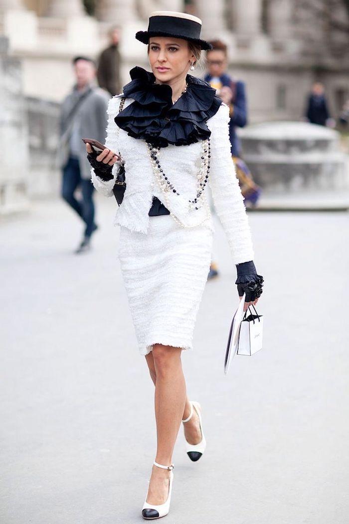 Simple tenue femme pour un bapteme chic tendance de robe rétro chic belle tailleur femme Chanel blanc tailleur