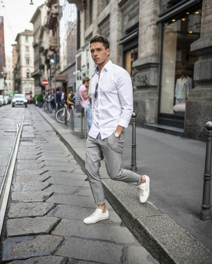 tenue classe homme, pantalon gris, chemise blanche, baskets blanches, look  cool et