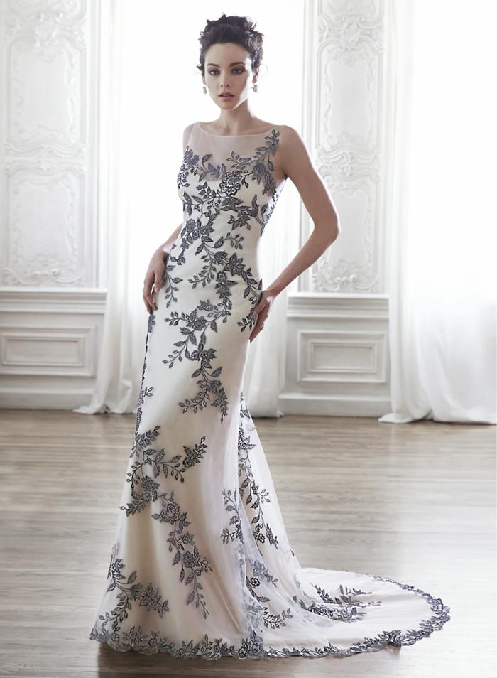 robe de mariée sirene dentelle en blanc et de la dentelle gris anthracite, motifs fleurs et branches d'arbres, décolleté grec, traîne de longueur moyenne