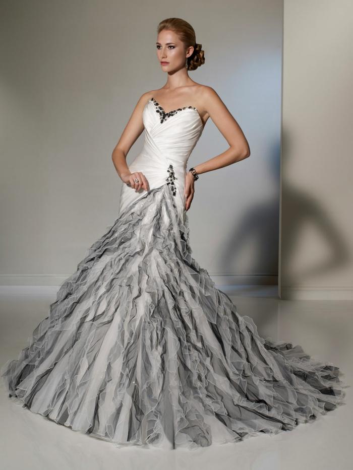 robe de mariée moulante, robe mariage sirene, robe de mariée sirène en blanc et gris, bustier en blanc et gris, robe sirène dentelle, allure majestueuse