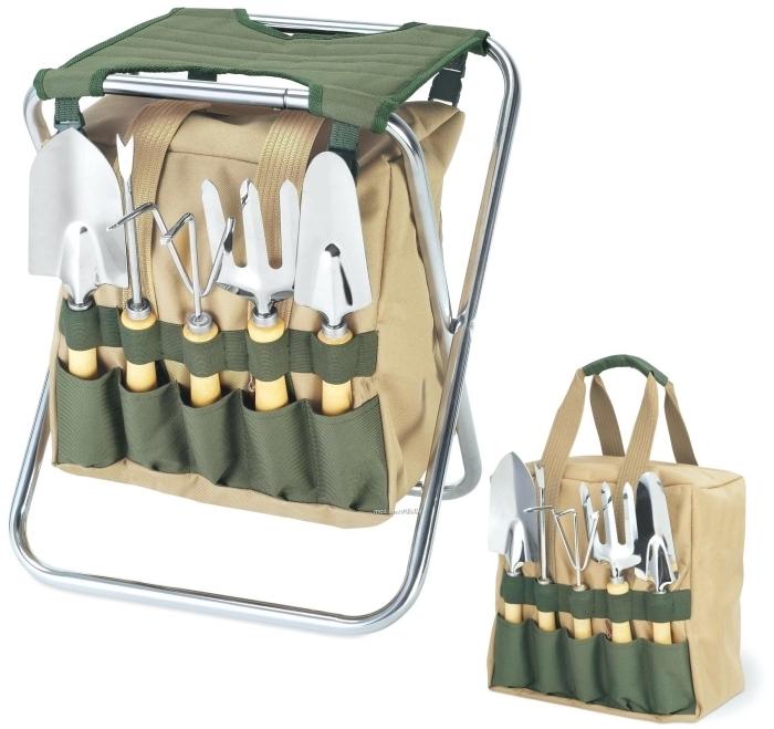 modèle de set ustensiles pour barbecue et un meuble pliant comme une idée surprise pour la fête des pères