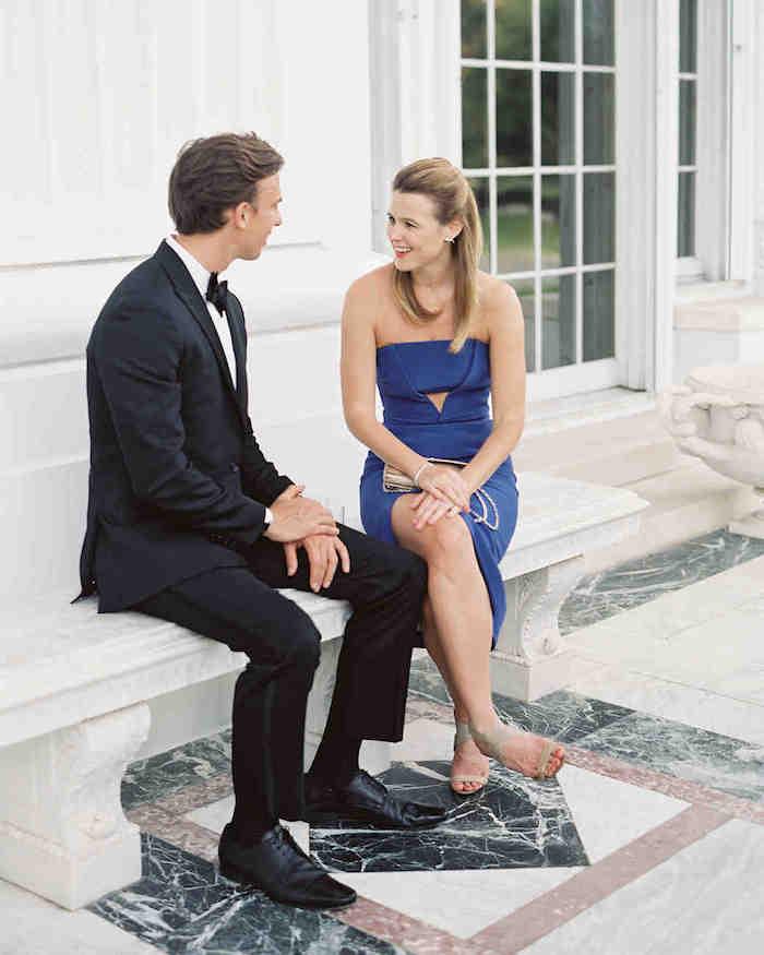 Quelle robe choisir à porter pour quel mariage thématique tenue habillée robe moulante bleu