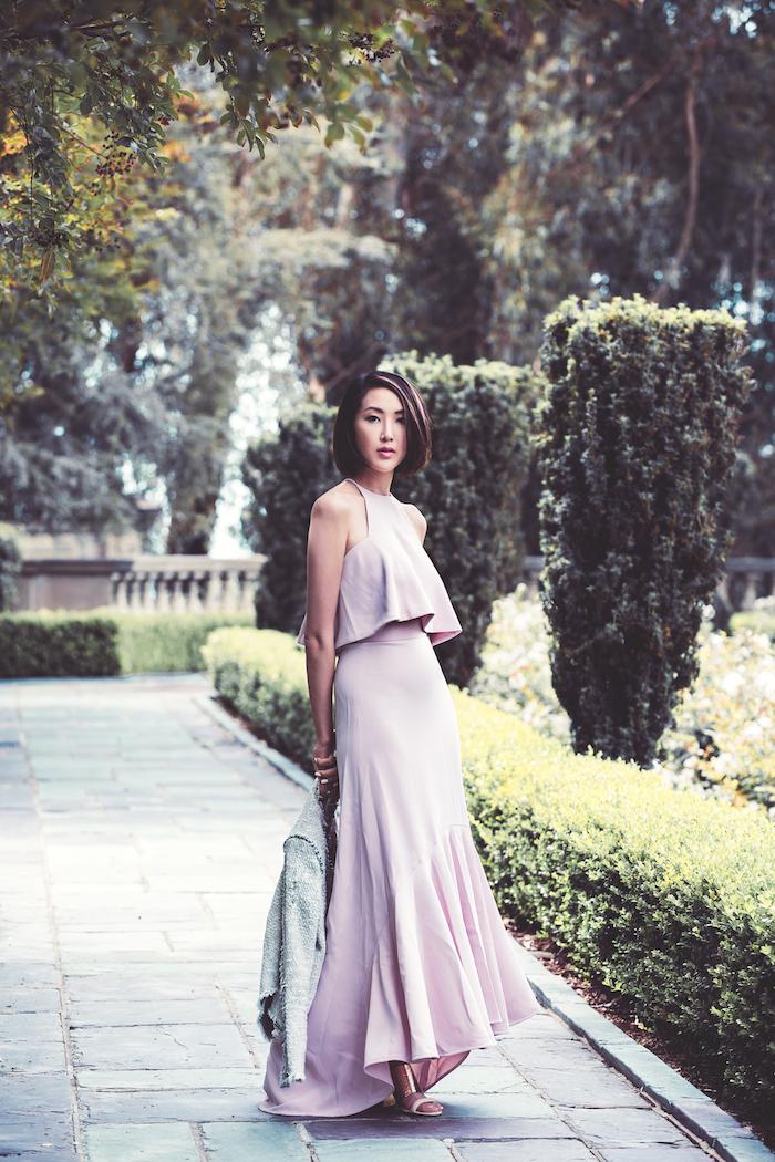 Invitée à un mariage tenue robe de soirée pour mariage idée comment s'habiller pour un mariage image femme bloggeuse robe longue rose moderne