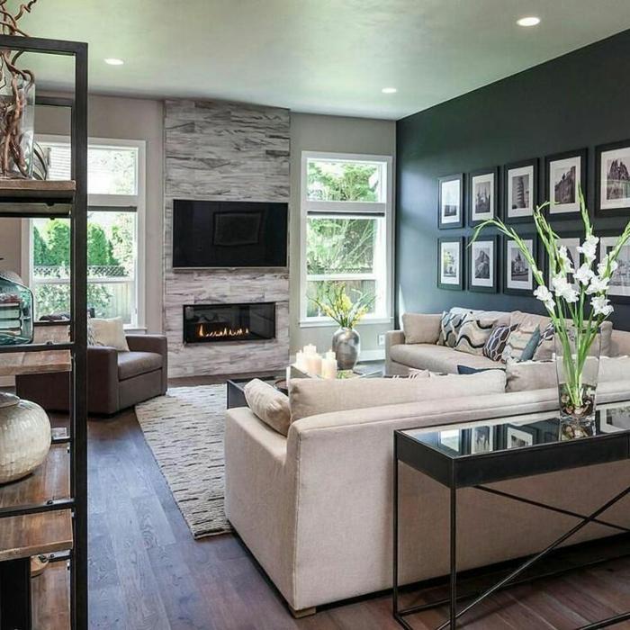 un salon raffiné en couleurs contrastantes, amenagement salon moderne, canapés couleur crème