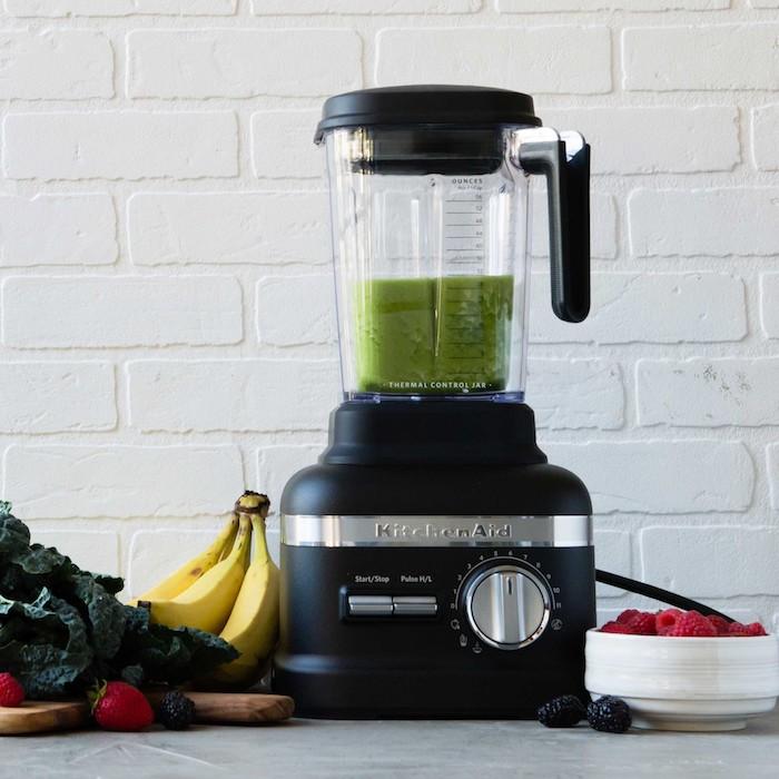 Recette boisson detox boisson detox pour maigrir boisson coupe faim blender pour préparer un smoothie vert