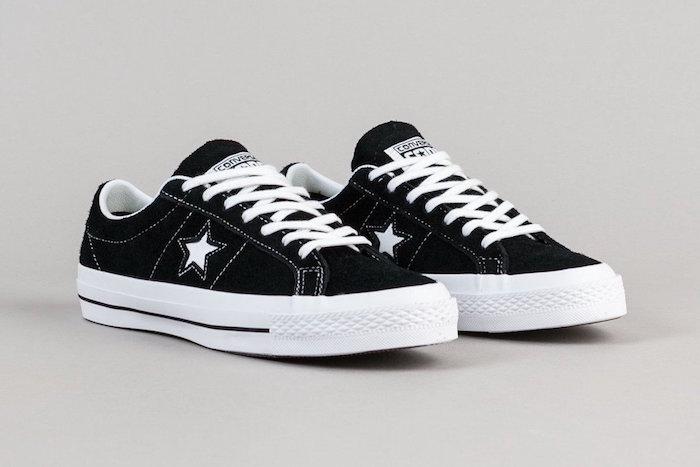 sneakers homme 2018 Converse One Star Ox Noir Blanc style rétro tennis simple passe partout