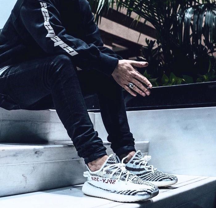 basket a la mode 2017 homme Adidas Yeezy Boost 350 V2 Zebra 2018 par kanye west