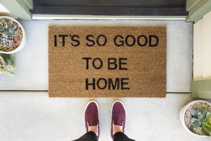 crmaillre maison pour cadeau cremaillere a idee jeune. Black Bedroom Furniture Sets. Home Design Ideas