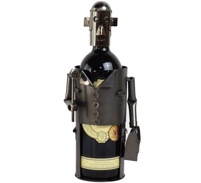 quel cadeau offrir à un homme qui boit du vin, modèle porte-bouteille vin à design robot pour la fête des pères