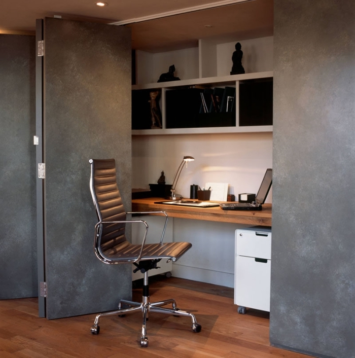 idée comment décorer le coin bureau à domicile avec portes à design gris anthracite et bureau encastré au mur blanc