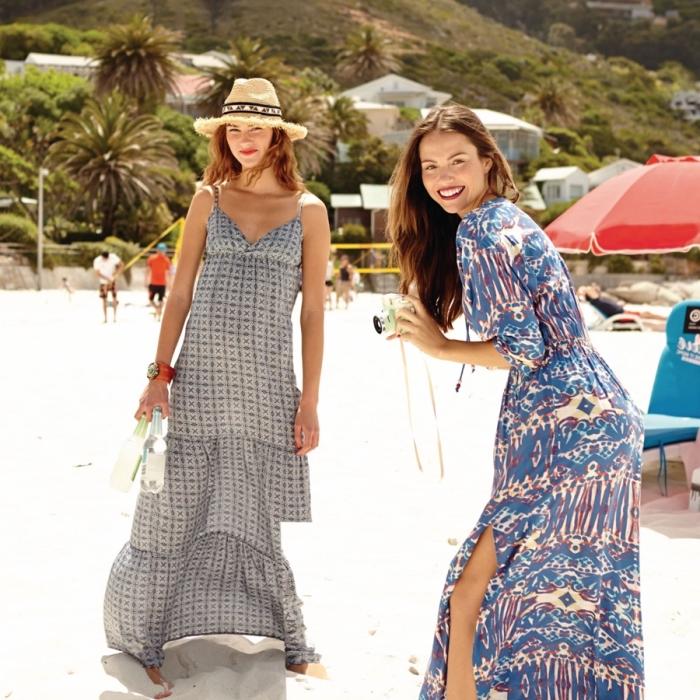 exemple de robe a bretelle longue fluide avec décolletée de couleur grise, idée tenue été pour femme aux nuances bleues