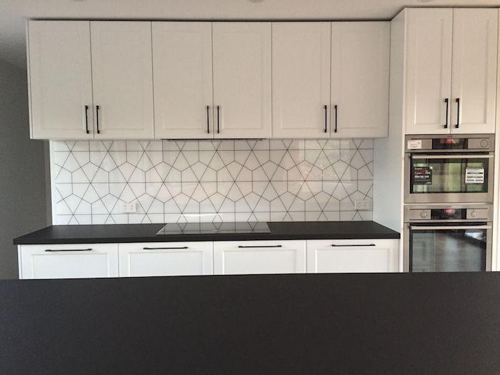 carrelage cuisine mur blanc pour crédence carrelée forme hexagone originale