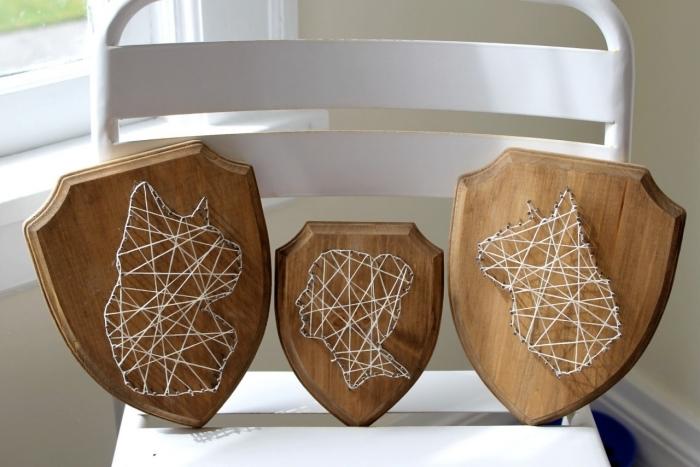 différents modèles d'objet DIY fait main à partir de fil clous et bois, comment utiliser un gabarit fil tendu pour faire une déco murale