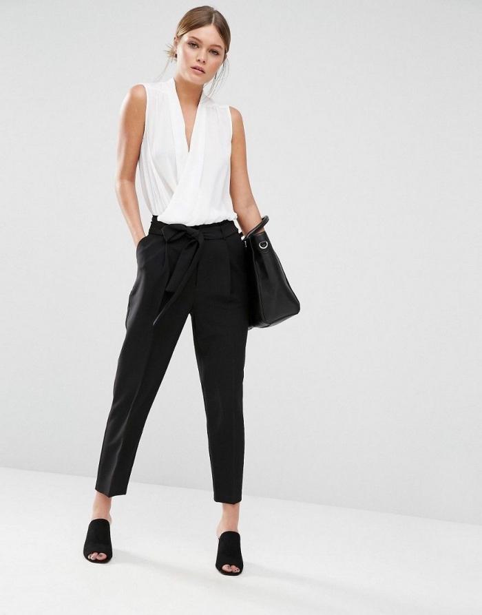style vestimentaire femme élégante habillée en blanc et noir, modèle de pantalon papillon noir combiné avec top blanc