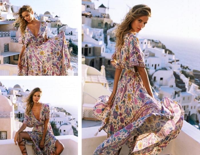 pièce plage femme avec manches mi-longue et décolleté en V à design floral et en couleurs violet blanc et bleu