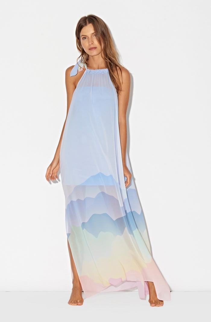 idée vetement été femme moderne avec une robe légère à design couleurs pastel, modèle de robe longue pour été