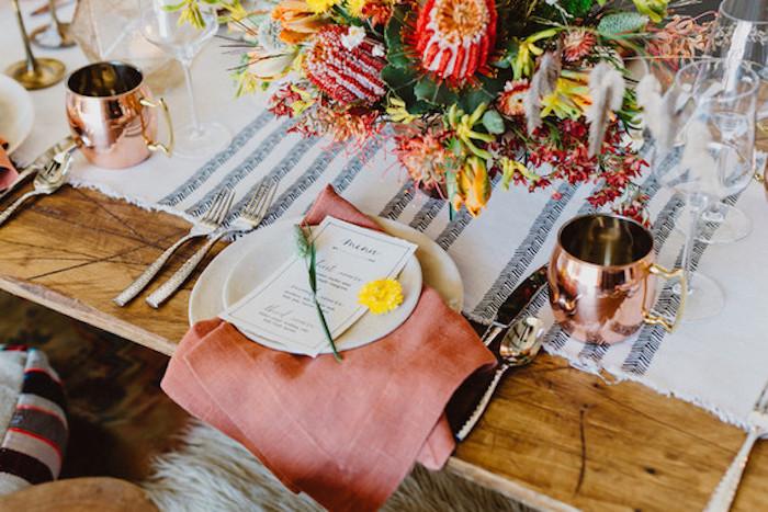 Comment décorer la table mariage idée marque place mariage menu mariage table joliment décorée