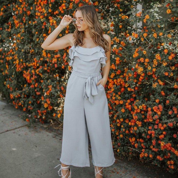 Salopette élégante pour mariage bleu claire salopette pantalon mi long idée de tenue chic femme stylée tenue cocktail