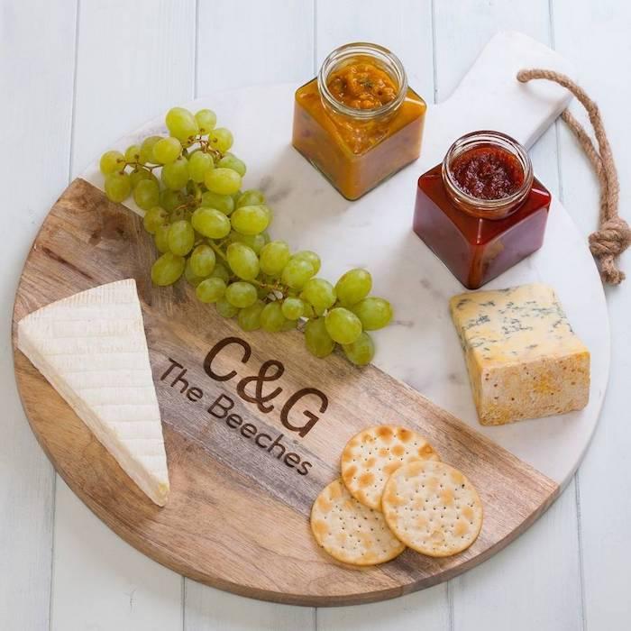 Pendaison crémaillère cadeau utile et mignon cadeau emballé bien cool idée plancher avec fromages