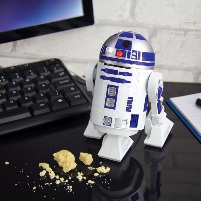 exemple de gadget original à offrir à un homme gamer PC, modèle de mini aspirateur à design R2 de Star Wars