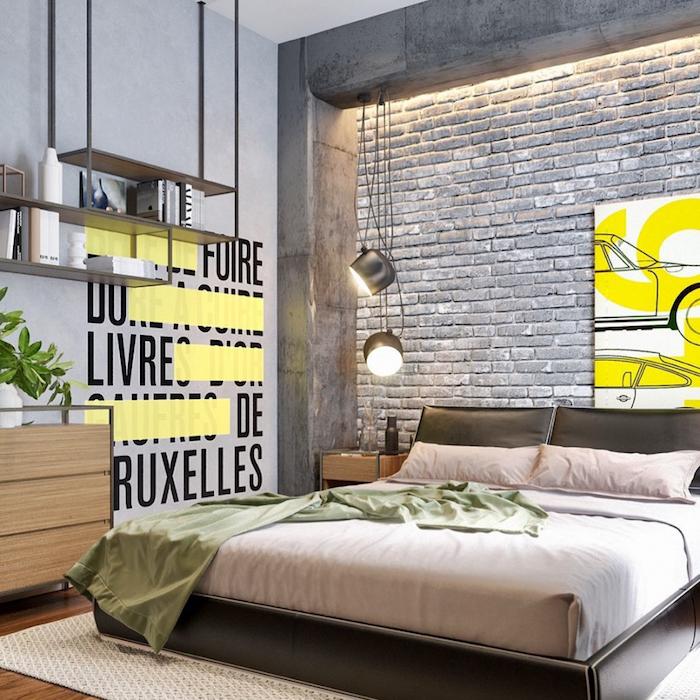 etagere industrielle decorative grise, mur de briques grises, linge de lit marron et vert pistache, tapis beige sur parquet bois, commode bois
