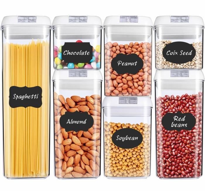 des conteneurs de céréales et d'épices de taille diverse, rangement tiroir, amenagement placard cuisine, meuble cuisine rangement