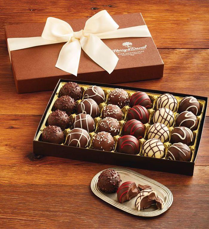 Crémaillère fete cadeau cremaillere adorable cadeau original nouvelle maison boite de chocolates bonbons au chocolat fin