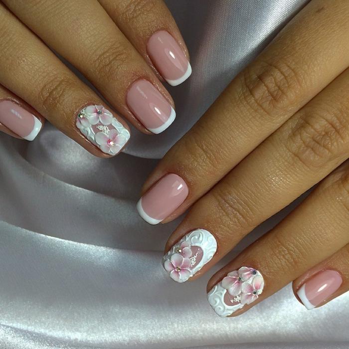 deco ongle gel en rose et blanc, fleurs avec relief, manucure classy en rose et blanc, ongles moyens