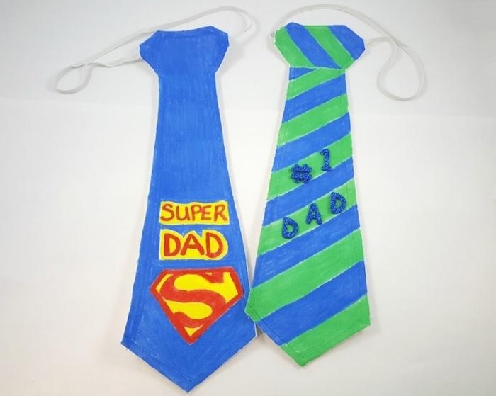 bricolage fête des pères pour tout petit, cravate en papier avec texte papa numéro un et super papa