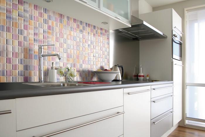 carrelage cuisine type faience murale pour credence de cuisine colorée