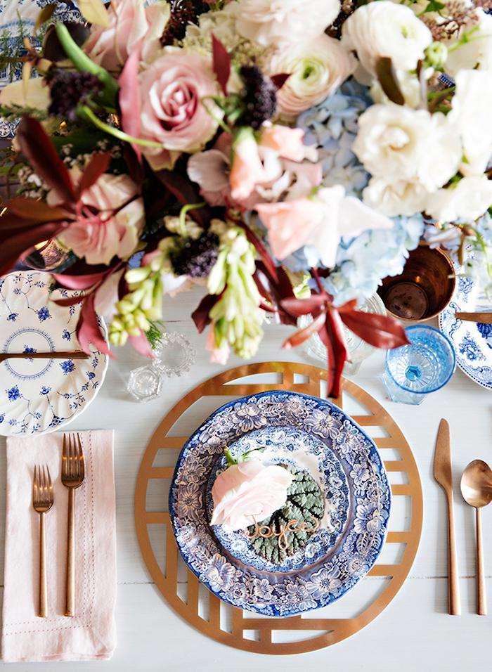 Décoration salle de mariage menu mariage boho idée mariage bohème porcelaine chinoise élégant mariage déco