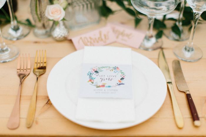 Thème mariage centre de table mariage chouette idée déco table mariage décoration romantique marque place joli