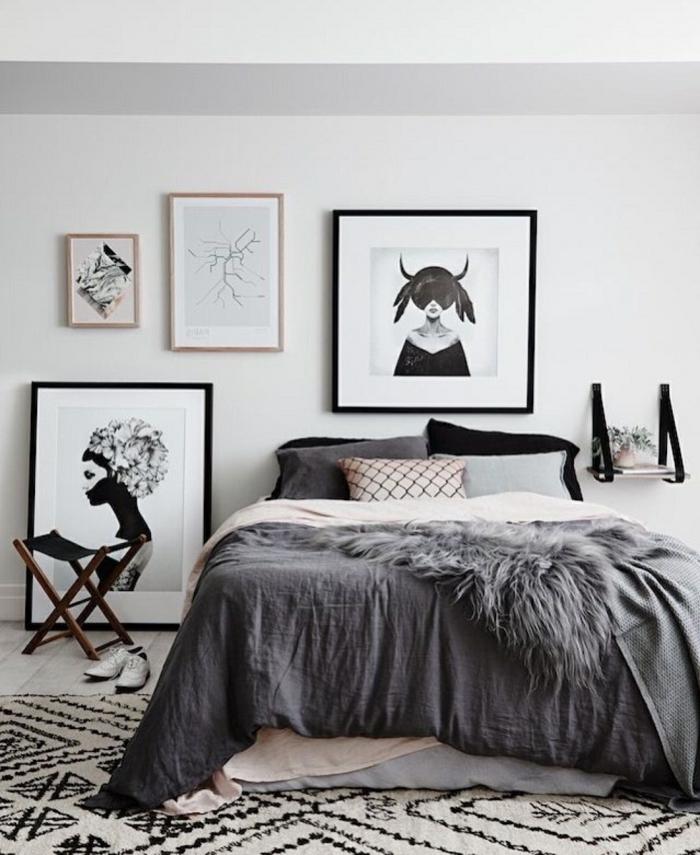 chambre à esprit féminin, lit en gris et blanc, peintures encadrées extravagantes