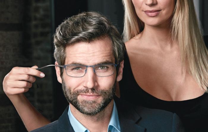 monture lunette homme avec des branches élastiques pour un confort maximal, monture en métal gris, forme rectangulaire, accessoire de style élégant