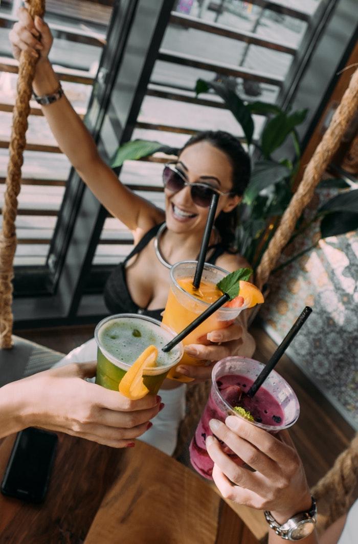 Eau citron detox water recette boisson pour maigrir citron nettoyer estomac femmes vie saine heureuses